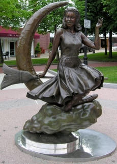 Image: Samantha Stephens statue in Salem, Mass.