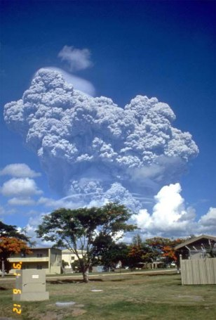 Image: Mount Pinatubo eruption, Philippines