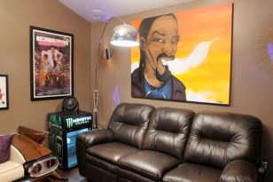 Image: Snoop Dogg's man cave
