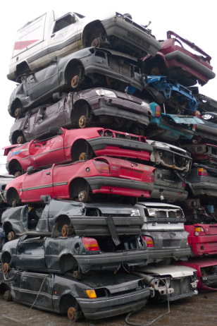Image: Junked cars