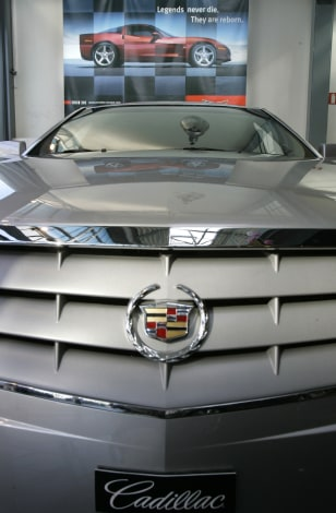 Image: The front of a Cadillac SRX Elegance