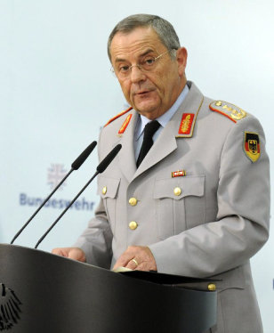 Image: Inspector General of the Bundeswehr, General Wolfgang Schneiderhan