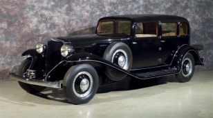 Image: 32 Peerless Touring Sedan
