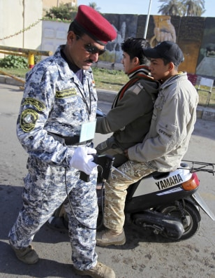 Image: Checkpoint in central Baghdad