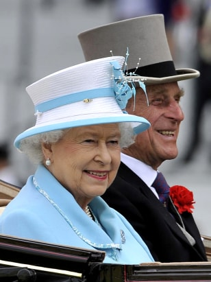 Image: Britain's Queen Elizabeth II and Prince Philip