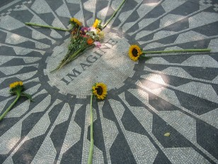 Image: Strawberry Fields, New York Cit
