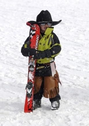 Image: Tiny cowboy skier