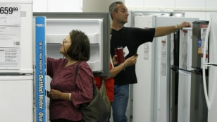 Image: appliance shoppers