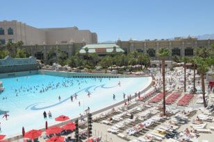 Image: Mandalay Bay Beach