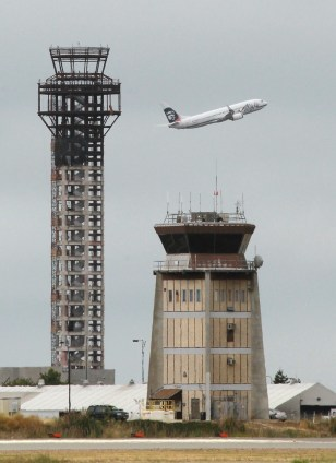 Image: Construction Stops On New Oakland Control Tower After FAA Funding Is Halted