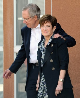 Image: U.S. Senate Majority Leader Harry Reid and wife Landra Reid