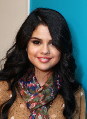 Image: Selena Gomez Visits Elvis Duran On Location In Los Angeles, CA