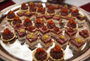 Image: seal meat hors-d'oeuvres