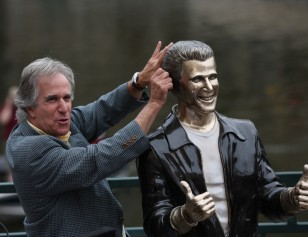 Image: Henry Winkler, The Fonz statue