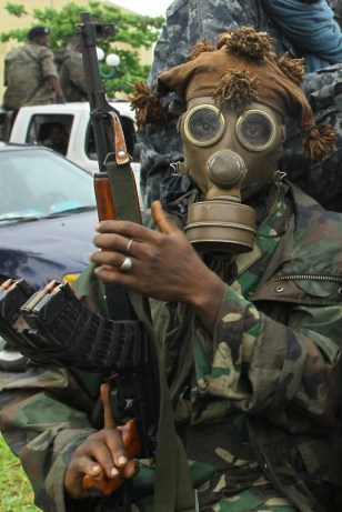 Image: A pro-Ouattara fighter of the FRCI (Republican Force of Ivory Coast)