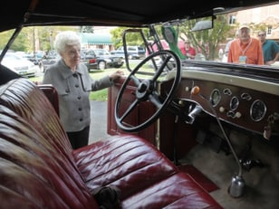 Image: Margaret Dunning with her 1930 Packard car