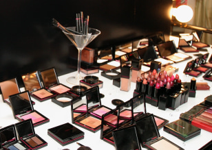 Image: Victoria's Secret makeup counter