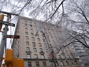 Image: Apartment building on Fifth Avenue