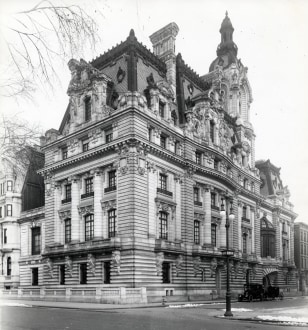 Image: Clark mansion on Fifth Avenue,  1907 to 1927