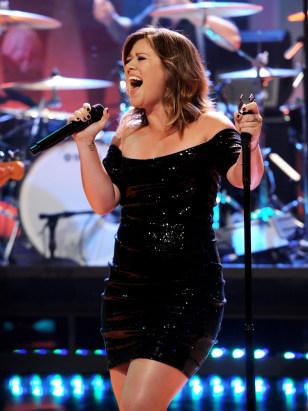IMAGE: Kelly Clarkson