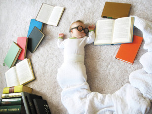 Image: Baby Mila as a bookworm