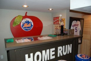 Great Image: New York Mets Clubhouse Man Cave