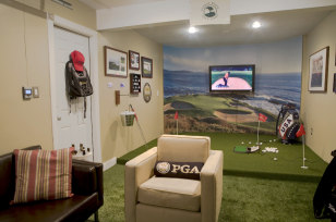 Image: Golf-themed man cave