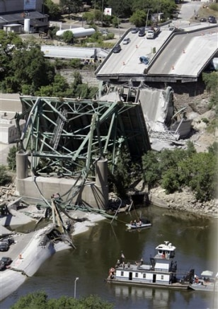 IMAGE: SEARCH AROUND COLLAPSED BRIDGE
