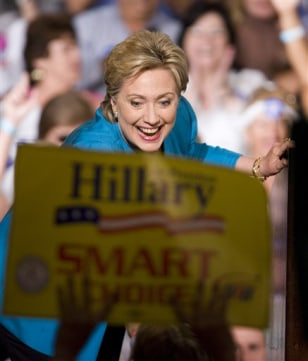 Image: Clinton in Puerto Rico