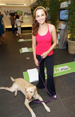 Image: Rachel Leigh Cook and her dog Cooper