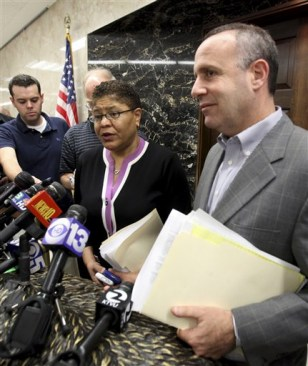 Image: Karen Bass and Darrell Steinberg