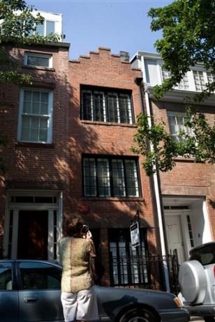 Image: Skinny NYC house
