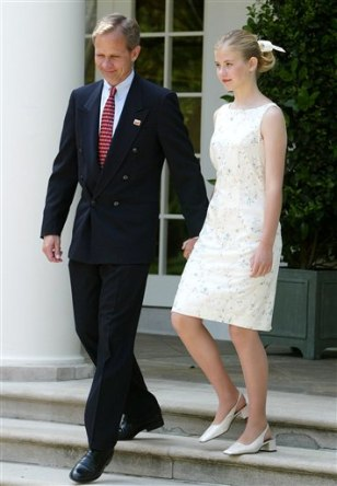 Image: Elizabeth Smart and father