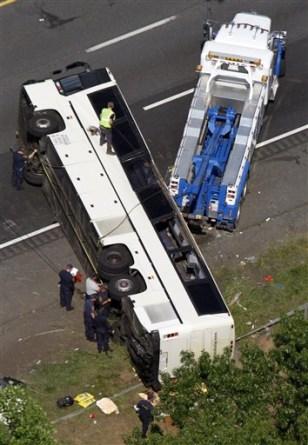 Feds delayed Sky Express bus shutdown - US news - Crime ...  Feds delayed Sk...