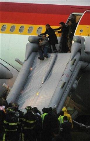Image: Ecuador plane emergency