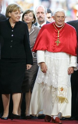 Image: Angela Merkel and Pope Benedict XVI