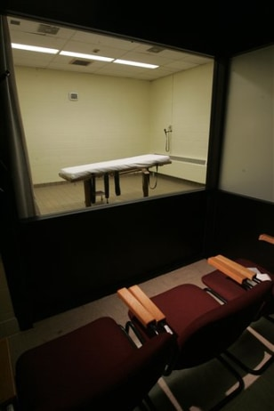 Image: Death chamber at the Southern Ohio Corrections Facility in Lucasville, Ohio