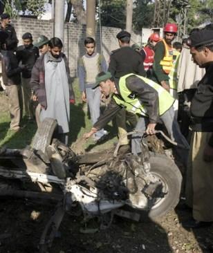 Image: Pakistan truck bomb
