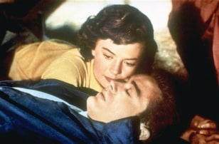 "Image: Natalie Wood, James Dean in ""Rebel Without a Cause"""