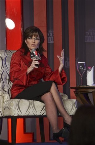 Image: Sarah Palin speaks in New Delhi, India