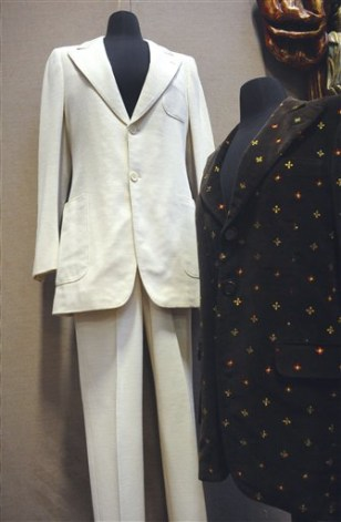 Lennon's white 'Abbey Road' suit sells for $46K - today ...