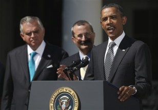 Image: Barack Obama, Ray LeHood, David C. Chavern