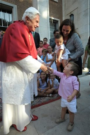 Image: Pope Benedict XVI greets youths in Madrid, Spain.