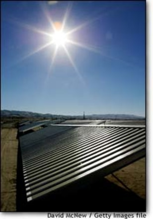 Image: ChevronTexaco Installs California's First Solar Project to Power Oil Production