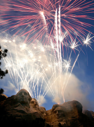 Image: Fireworks over Mt. Rushmore