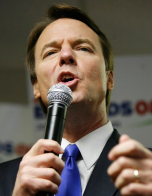 Image: John Edwards campaigns in Des Moines Iowa