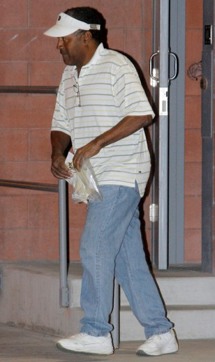Image: O.J. Simpson leaves jail