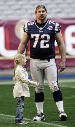 Image: Patriots tackle Matt Light