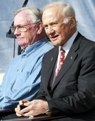 Armstrong, Aldrin attend heroes of aviation ceremony