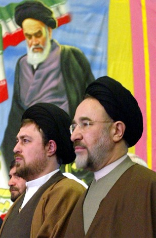 IRAN'S KHATAMI PAYS RESPECTS TO LATE FOUNDER OF ISLAMIC REPUBLIC